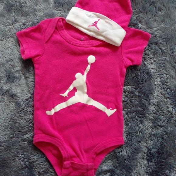 Baby girl Jordan 2 piece set, size 0-6 month